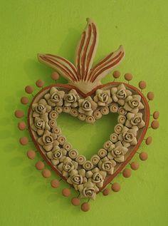 Corazón de ceramica de Enedina Vasquez de Atzompa, Oaxaca, Mexico