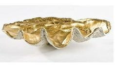 Organic modern at its finest, this clam bowl with antique gold interior finish is the perfect accent to your side table or display. Fill with decorative beads or leave alone for a bold statement. - x x - Antique Gold Interior Contemporary Tabletop, Contemporary Style, Shell Display, Black Rooster, Rooster Decor, Gold Interior, Interior Design, Design Interiors, Gold Diy