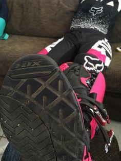 Motocross Love, Motocross Girls, Enduro Motocross, Atv Gear, Dirt Bike Gear, Fox Racing, Foto Snap, Bike Couple, Bike Wear