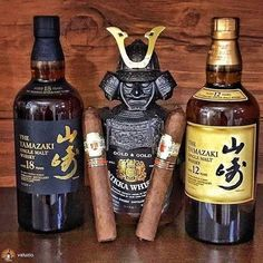 Cigars And Whiskey, Good Cigars, Pipes And Cigars, Scotch Whiskey, Bourbon Whiskey, Cigar Club, Cigar Bar, Whiskey Room, Whiskey Bottle