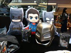 Batman v Superman Hot Toys Display