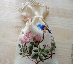 Льняной мешочек с вышивкой http://www.livemaster.ru/item/6004607-dlya-doma-interera-lnyanoj-meshochek-vetka