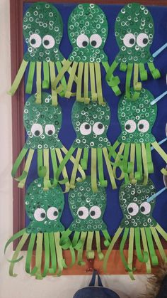 Crafts with children in summer - great ideas, simply implemented! * Mission mom - Make octupus Informations About Basteln mit Kindern im Sommer – tolle Ideen, einfach umgesetzt! Kids Crafts, Daycare Crafts, Classroom Crafts, Summer Crafts, Toddler Crafts, Arts And Crafts, Paper Crafts, Zoo Crafts, Crafts Cheap