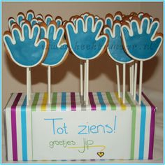 Traktatie afscheid kinderdagverblijf Birthday Treats, Party Treats, Little Presents, Little Gifts, Animal Party, Creative Kids, Holidays And Events, Teacher Gifts, Kids Meals