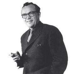 Finn Juhl (né le 30 janvier 1912 à Frederiksberg – mort le 17 mai 1989 à Ordrup) est un architecte et designer danois.