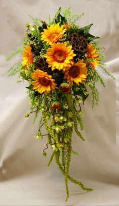 love the sunflowers in this. add some purple and it would be georgeous
