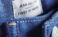 Levi's cria a 1º calça jeans reciclada do mundo feita a partir de 5 camisetas de algodão descartadas