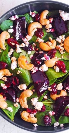 You Have Meals Poisoning More Normally Than You're Thinking That Beet Salad With Spinach, Cashews, Cranberries And Goat Cheese With Honey, Lemon And Olive Oil Dressing. Vegetarian Recipes, Cooking Recipes, Healthy Recipes, Vegetarian Salad, Ramen Recipes, Delicious Recipes, Pasta Recipes, Healthy Salads, Healthy Eating