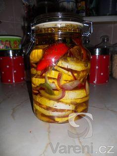 Nejlepší nakládaný hermelín, který jste kdy jedli. Recept mám ze skautského tábora na Frančině huti.