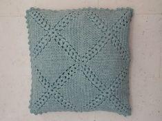 Stoer kussen (met link naar gratis patroon, with link to free pattern)