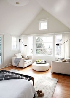 white master bedroom master bedroom We Audibly Gasped Upon Seeing This Striking Seattle Home Makeover Bedroom Nook, Home Decor Bedroom, Modern Bedroom, Bedroom Furniture, Bedroom Ideas, Fall Bedroom, Bedroom Small, Design Living Room, Master Bedroom Design
