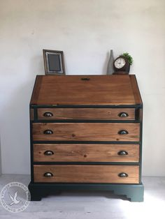 Pine bureau Handpainted in authentico chalk paint- black hills . Clear waxed used on the body and dark wax used on the drawers. Cup handles have been added to give this piece a extra finishing touch. Furniture Wax, Funky Furniture, Upcycled Furniture, Painted Furniture, Refurbished Furniture, Furniture Makeover, Shabby Chic Desk, Shabby Chic Homes, Shabby Chic Furniture