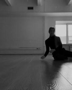 Ballet Dance Videos, Dance Tips, Dance Choreography Videos, Dance Poses, Modern Dance, Contemporary Dance Videos, Dancer Workout, Gymnastics Workout, Pole Dance Moves