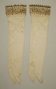 Stockings, 16th century, Italian, Metropolitan Museum of Art (10.124.5 & 10.124.6)