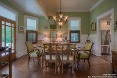 Estately Texas Farmhouse - Farmhouse For Sale
