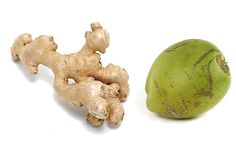 Two home remedy recipes THAT WORK for an Upset Stomach using Ginger root tea and Coconut water. Tea For Stomach Ache, Upset Stomach Remedy, Stomach Remedies, Ginger Root Tea, Carrot And Ginger, Coconut Water Benefits, Ginger Benefits, Healthy Mummy Smoothie, Healthy Life