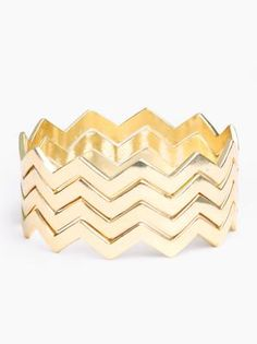 gold chevron bracelet---- would like it even more as a ring