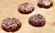 Vegan & Gluten Free Cookies   Made from Leftover Almond Milk Pulp // wishfulchef.com
