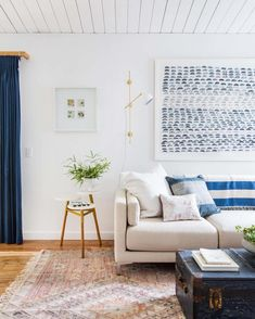 Loved seeing my potato print artwork in @em_henderson's home. Learn how to get the look on our blog.