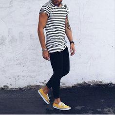 Stripes + dark pants + colorful shoes.