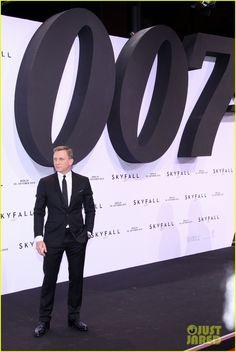 Daniel Craig - hidebond