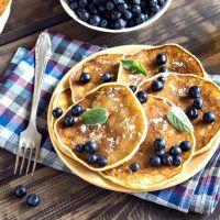 Recept : Smažené nudle s kuřecím masem - originální recept z vietnamských bister! | ReceptyOnLine.cz - kuchařka, recepty a inspirace Blueberry Breakfast, Tzatziki, Benefit, Pancakes, Pancake, Crepes