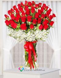 50 adet kırmızı gül | Bayrampaşada Çiçekçi / Bayrampaşa Çiçek Gönder Glass Vase, Table Decorations, Furniture, Home Decor, Decoration Home, Room Decor, Home Furniture, Interior Design, Home Interiors