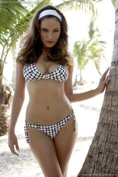 Kelly Brook Hot Bikini