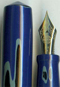 Nakaya Piccolo Cigar in Negoro-nuri Blue Fountain Pen. Caligraphy Pen, Penmanship, Calligraphy, Plum Art, Pretty Writing, Fountain Pen Nibs, Fine Pens, Pen Design, Writing Pens