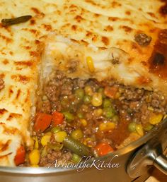 ArtandtheKitchen: Super Shepherd's Pie - the ultimate comfort food that is easy to make and tastes amazing!