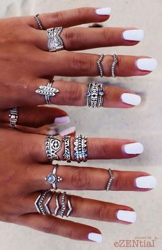 Natural + Simple :: Summer :: Beach Boho :: DIY Nail Art Designs :: See more Untamed bohemian nail inspiration Gorgeous Nails.but I love the rings too! Cute Jewelry, Boho Jewelry, Jewelry Box, Jewelry Accessories, Fashion Accessories, Fashion Jewelry, Jewlery, Boho Rings, Cheap Jewelry