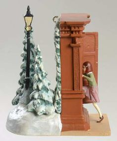 Narnia Hallmark Keepsake Ornament: This two sided ornament shows Lucy about to discover the magical land of Narnia.  How can any Narnia fan not love it?
