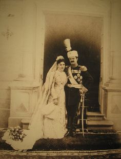 Alexander 1 and Queen Daga of Serbia were married on August 5, 1900. The bride was a mature thirty-eight, and the groom was only twenty-three.