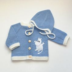Knitted blue baby set Moomins baby jacket and hat and by Tuttolv Enchanted Doll, Moomin, Crochet For Kids, Baby Knitting, Baby Set, Baby Blue, Knitting Patterns, Baby Kids, Rompers