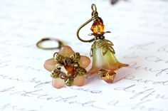 lucite flower earrings | There are several artists who create Lucite flower earrings, but I ...