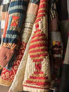 Emily Bode is turning rare and forgotten textiles into workwear you'll want to start collecting. Antique Quilts, Vintage Quilts, Vintage Fabrics, Textiles, Plaid Patchwork, Quilted Clothes, Neue Outfits, Quilted Jacket, Quilted Coats