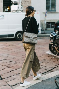 Street Style: Gucci bag - Army Green pants - Stan Smith shoes