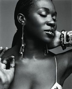 IINDIA ARIE  Born India Arie Simpson on October 3,1975 in Colorado.