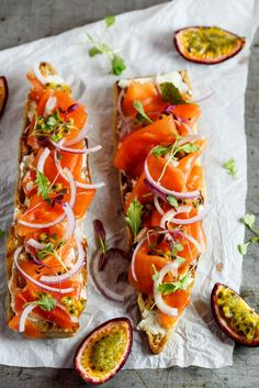 Baguette with smoked salmon and granadilla