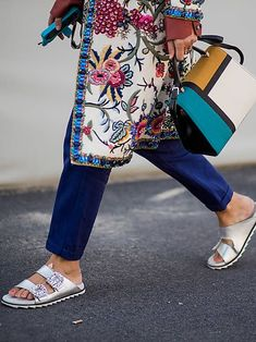 """How to Wear the """"Ugly"""" Sandal Trend Fashion Girls Are Obsessed With Girl Fashion, Womens Fashion, Fashion Tips, Fashion Trends, Style Fashion, Spring Sandals, Summer Shoes, Ordinary Girls, Open Toe Shoes"""