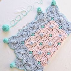 Crochet blanket- wish there was a pattern for this! Crochet Chart, Crochet Motif, Crochet Stitches, Free Crochet, Knit Crochet, Crochet Diagram, Irish Crochet, Plaid Crochet, Knitting Patterns