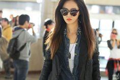 SNSD YuRi @ Airport