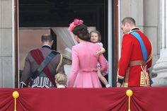 Kate Middleton Photos Photos: Trooping the Colour 2017 Duchess Kate, Duke And Duchess, Duchess Of Cambridge, Kate And Pippa, Kate And Meghan, Kate Middleton Photos, Kate Middleton Style, Princess Kate, Princess Charlotte