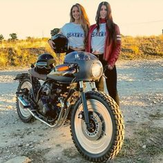 A sweet Kawasaki GPZ400F Cafe Racer by 72 Cycles. Girls are wearing Dainese Settantadue.