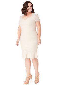 b8469fccc59a Béžové pouzdrové šaty se třpytkami City Goddess Camelie