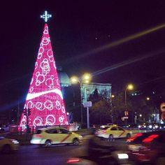 Un albero di Natale per le strade di #Madrid