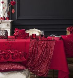 Christmas 2012 - Trendy H Christmas Collection - H XMas Table Arrangement in 'Dazzling Red'! H Tablecloth, Glitter Table Runner, Glamour Red H Pillows and of course Christmas Presents in Red Wrapping!