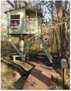 Freestanding Treehouses With Post Supports Treehouse Guides
