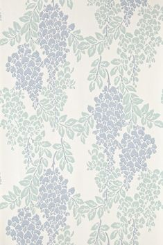 Wisteria is a classic english floral pattern drawn from century pure silk woven jacquards With its abundant trailing design of blossoming Wisteria this wallpaper captures the warmth of English romance and creates a flourishing exciting design Farrow Ball, Farrow And Ball Paint, Paper Wallpaper, Home Wallpaper, Cream Wallpaper, Bedroom Wallpaper, Free Wallpaper Samples, Wallpaper Patterns, Free Samples
