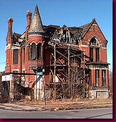 """The Ransom Gillis House Built in 1876 or 1878 is an abandoned ruin located at 205 Alfred Street in Detroit, Michigan. It was """"mothballed"""" by the City of Detroit in in hopes of restoration in the future. The structure has been unoccupied since the Abandoned Buildings, Abandoned Detroit, Abandoned Property, Old Abandoned Houses, Abandoned Mansions, Old Buildings, Abandoned Places, Old Houses, Abandoned Castles"""